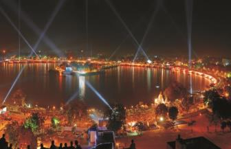 Kankaria Lake - Places to Visit & Tourist Attractions in Ahmedabad