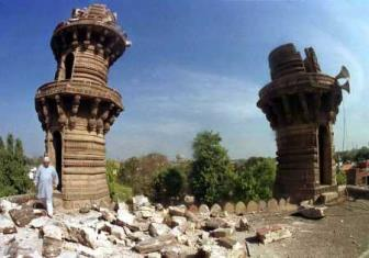 Jhulta Minara - Places to Visit & Tourist Attractions in Ahmedabad